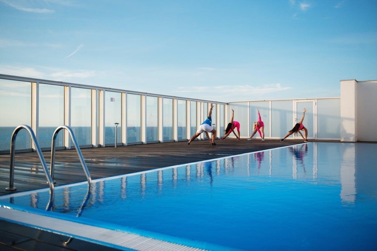 Appartements am Meer mit einer Schwimmbad